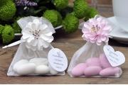 Woreczki z migdałami z kwiatem
