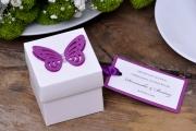 Pudełka kwadratowe z dużym motylem