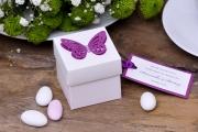 Pudełka kwadratowe z dużym motylem + migdały