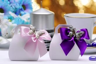 Kuferki z motylem pudełeczka dla gości